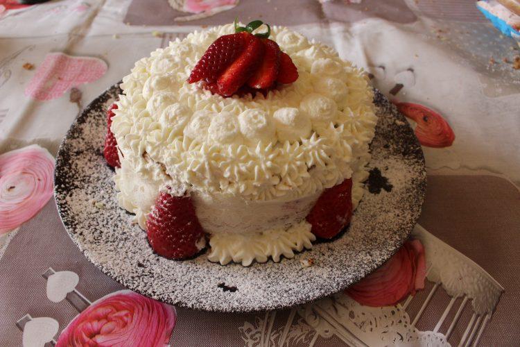 torta-panna-fragole-senza-glutine-nichel