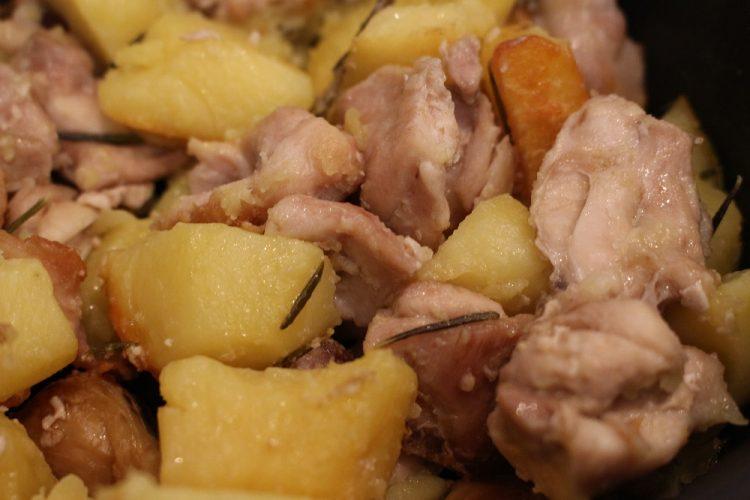 spezzatino-di-pollo-patate-il-pizzico-di-sale