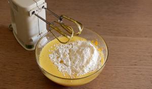 tortine-carote-mandorle-ricetta